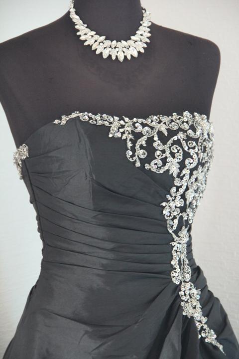 No.15724 ブラックタフタビーズ刺繍付ゴージャスドレス